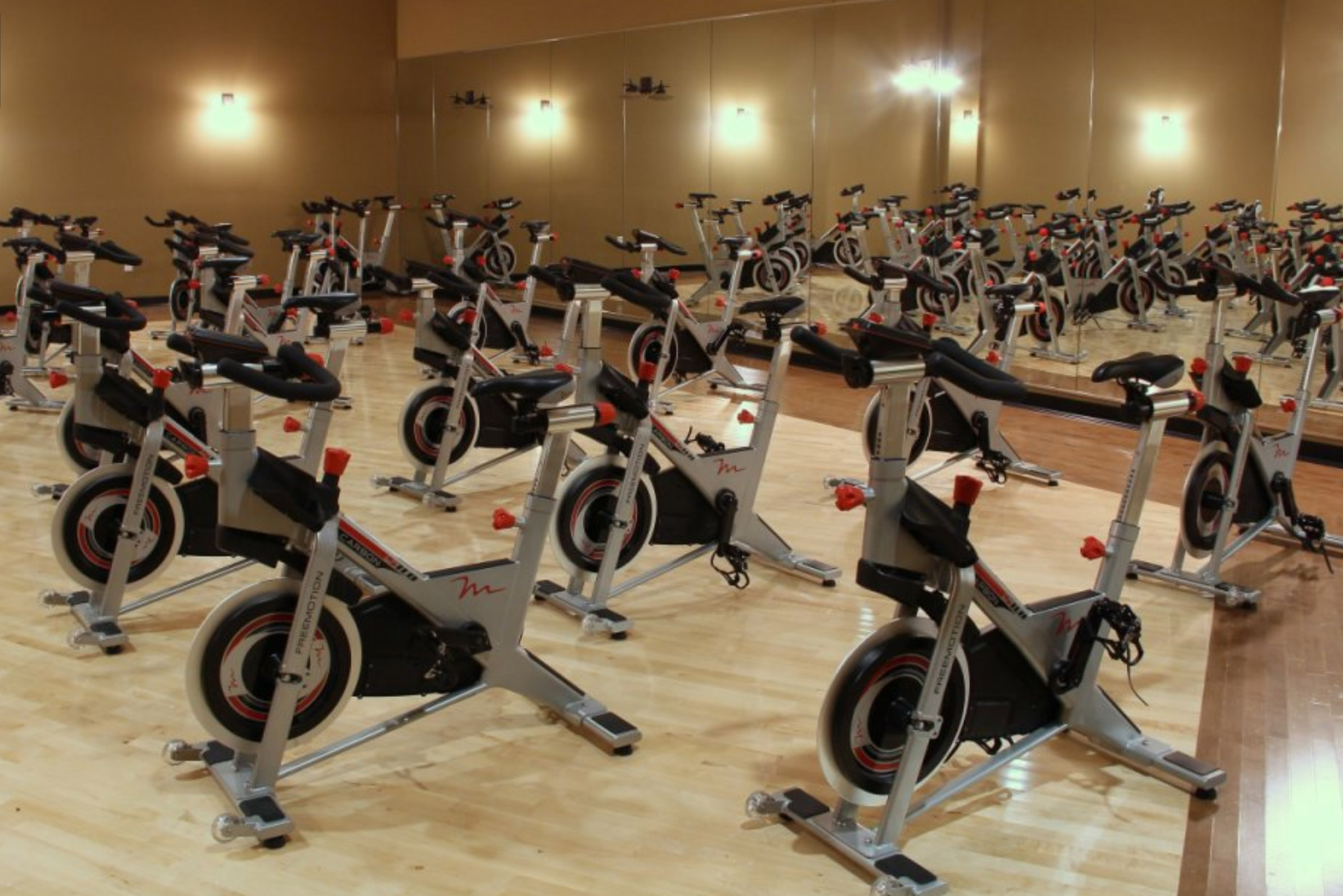Prestige Fitness Arvada has many aerobic classes, including spin class.